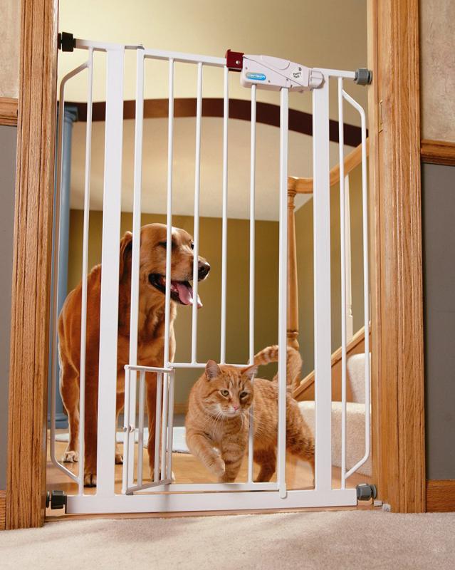 【アメリカカールソン】ペット・ドアがついたゲート!ベストセラーのゲートです。新発売!カールソン ドッグゲート エクストラトールウォークスルーゲート【ゲート ケージ サークル インテリア】
