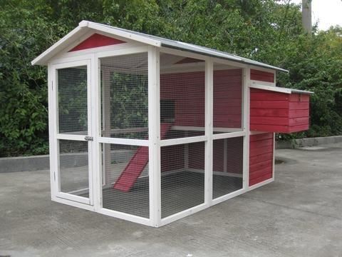 【アメリカINNOVATIONPET】 鳥小屋 他ではほとんど見ないデザインの鳥小屋です。イノベーションペットCoops & Feathers® オールドレッドバーンバードケージ