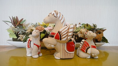 Rinconada pottery animal figurines 258E Pegasus kid Red
