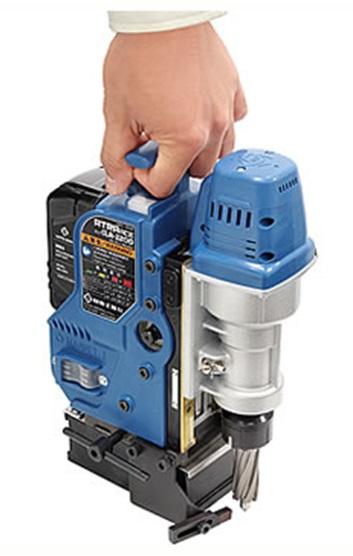 【日東工器】アトラエース CLA-2200(コードレスタイプ)【コンパクト 小さい バッテリー コードレス 磁力制御 ソフトスタート 自動停止 警告機能 高所 狭所 電源のない現場】送料無料