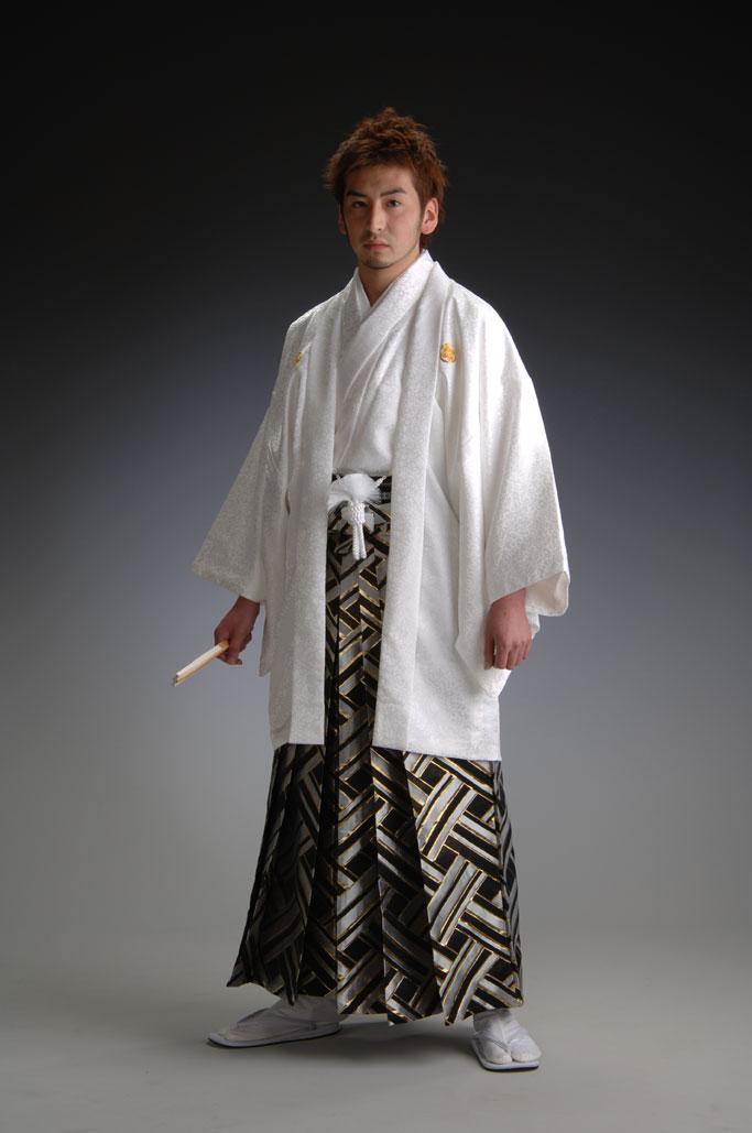 haori-hakama: Treasure Linz - white - the haori and kimono ...