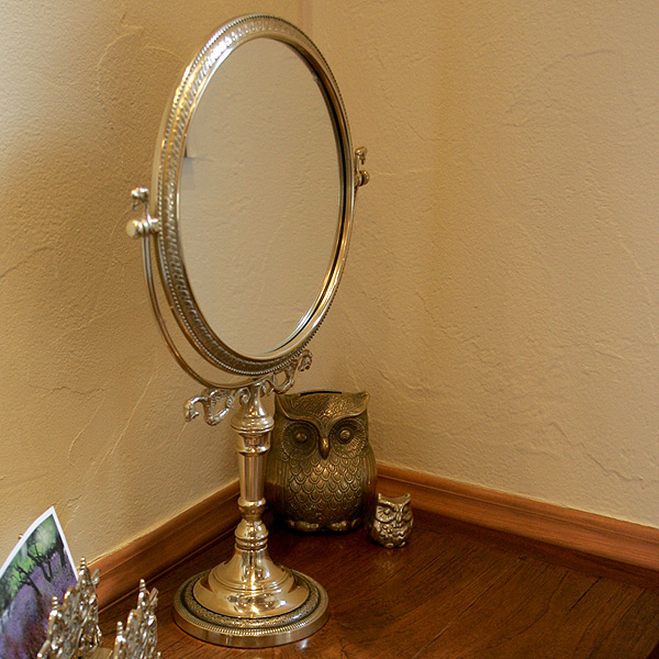 Large Type Table Mirror Is A Little Brass Frame Stand Stately Stylish!