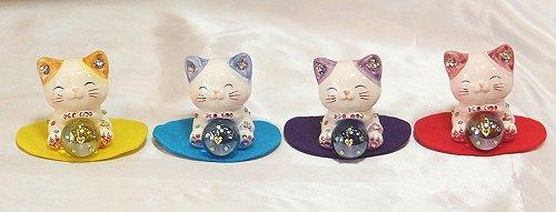 ラインストーンのデコレーションがかわいい♪風水!エンジェル招き猫:4色セット(イエロー・ピンク・ブルー・パープル)