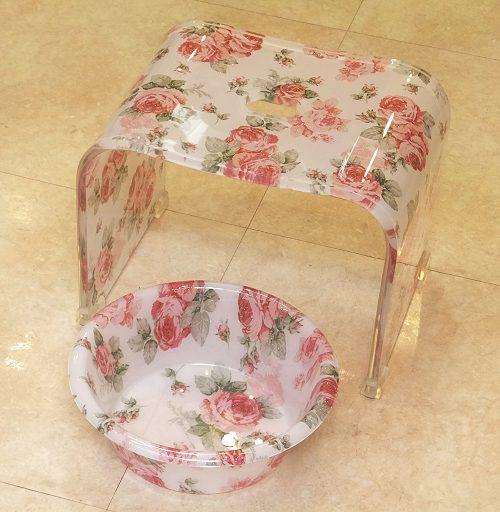 【送料無料】バラ柄アクリルバスチェア&洗面器(深型)セット(ルーシーローズ) 風呂いす アクリル セット 薔薇 お手入れ簡単 風呂椅子 風呂イス 通販 おしゃれ