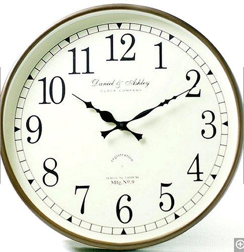 【送料無料】シルバークロック:丸形壁掛け時計時計 壁掛け シルバー 新築祝い 引越祝い 記念品 通販 おしゃれ シンプル 【HLS_DU】
