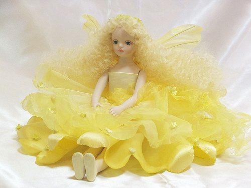【送料無料】若月まり子 お花の妖精人形♪エルフィンフローリー:フローラ(イエロー)【楽ギフ_のし】ビスクドール 御祝 贈答 創作人形 ギフト 結婚祝 出産祝 記念品
