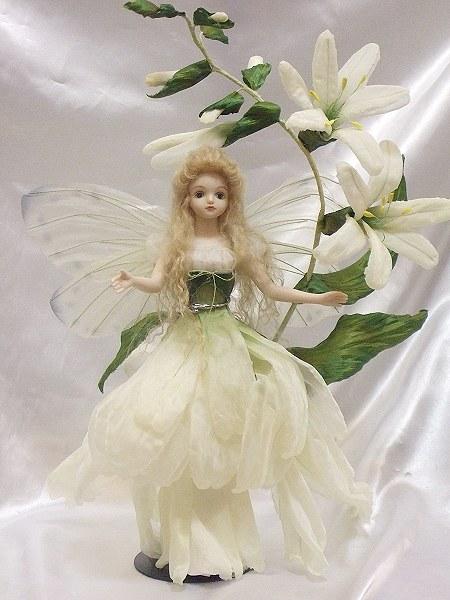 【送料無料】若月まり子 お花の妖精人形♪ロマネスク:トワイライトリリー【楽ギフ_のし】ビスクドール 御祝 贈答 創作人形 ギフト 結婚祝 出産祝 記念品