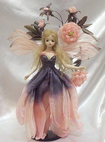 【送料無料】若月まり子 お花の妖精人形♪ロマネスク:ローズラプレ【楽ギフ_のし】ビスクドール 御祝 贈答 創作人形 ギフト 結婚祝 出産祝 記念品