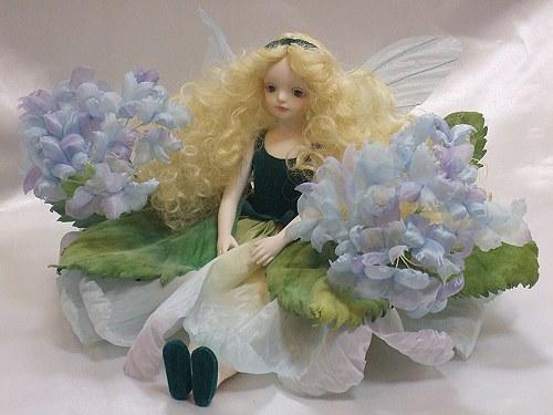 【送料無料】若月まり子 お花の妖精人形♪エルフィンフローリー:紫陽花(ブルー)【楽ギフ_のし】ビスクドール 御祝 贈答 創作人形 ギフト 結婚祝 出産祝 記念品