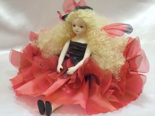 【送料無料】若月まり子 お花の妖精人形♪エルフィンフローリー:ジョイ(レッド)【楽ギフ_のし】ビスクドール 御祝 贈答 創作人形 ギフト 結婚祝 出産祝 記念品