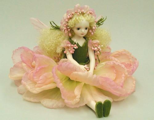 【送料無料】若月まり子 お花の妖精人形♪エルフィンフローリー:スカビオサ(ピンク)【楽ギフ_のし】ビスクドール 御祝 贈答 創作人形 ギフト 結婚祝 出産祝 記念品