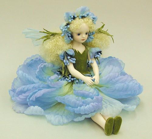 【送料無料】若月まり子 お花の妖精人形♪エルフィンフローリー:スカビオサ(ブルー)【楽ギフ_のし】ビスクドール 御祝 贈答 創作人形 ギフト 結婚祝 出産祝 記念品