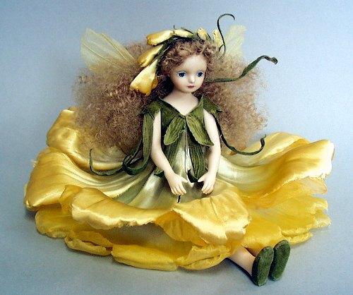 【送料無料】若月まり子 お花の妖精人形♪エルフィンフローリー:フリージア(イエロー)【楽ギフ_のし】ビスクドール 御祝 贈答 創作人形 ギフト 結婚祝 出産祝 記念品