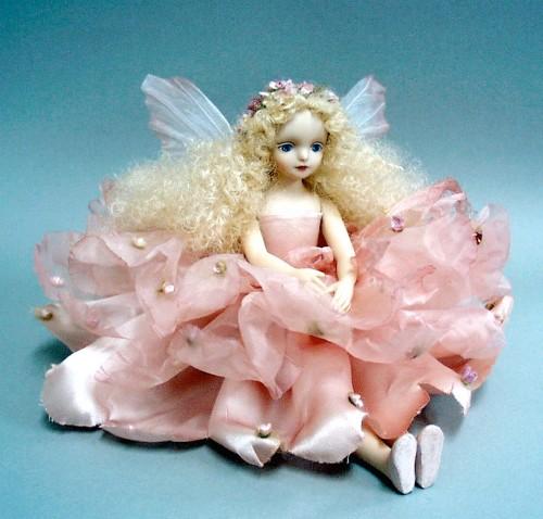 【送料無料】若月まり子 お花の妖精人形♪エルフィンフローリー:フローラ(ピンク)【楽ギフ_のし】ビスクドール 御祝 贈答 創作人形 ギフト 結婚祝 出産祝 記念品