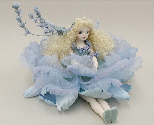 【送料無料】若月まり子 お花の妖精人形♪エルフィンフローリー:ラベンダー(ブルー)【楽ギフ_のし】ビスクドール 御祝 贈答 創作人形 ギフト 結婚祝 出産祝 記念品