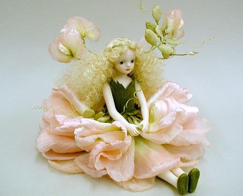 【送料無料】若月まり子 お花の妖精人形♪エルフィンフローリー:スイートピー(スイート・ピンク)【楽ギフ_のし】ビスクドール 御祝 贈答 創作人形 ギフト 結婚祝 出産祝 記念品
