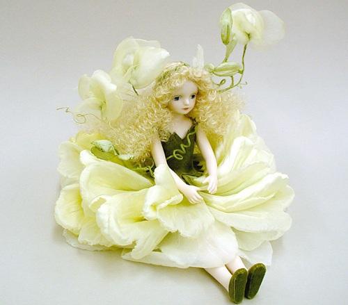 【送料無料】若月まり子 お花の妖精人形♪エルフィンフローリー:スイートピー(オフ・ホワイト)【楽ギフ_のし】ビスクドール 御祝 贈答 創作人形 ギフト 結婚祝 出産祝 記念品