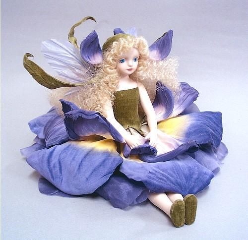 【送料無料】若月まり子 お花の妖精人形♪エルフィンフローリー:アイリス(パープル)【楽ギフ_のし】ビスクドール 御祝 贈答 創作人形 ギフト 結婚祝 出産祝 記念品