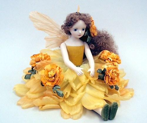 【送料無料】若月まり子 お花の妖精人形♪エルフィンフローリー:マリーゴールド【楽ギフ_のし】ビスクドール 御祝 贈答 創作人形 ギフト 結婚祝 出産祝 記念品