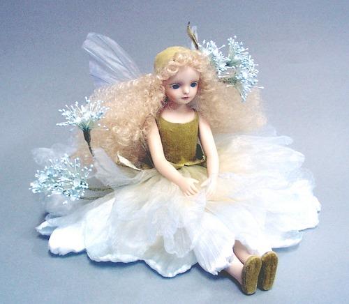 【送料無料】若月まり子 お花の妖精人形♪エルフィンフローリー:レースフラワー(ブルー)【楽ギフ_のし】ビスクドール 御祝 贈答 創作人形 ギフト 結婚祝 出産祝 記念品