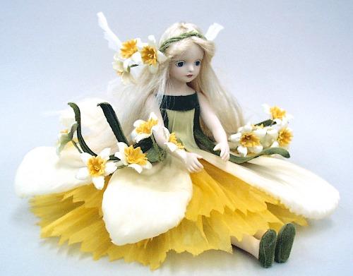 【送料無料】若月まり子 お花の妖精人形♪エルフィンフローリー:ナルシス【楽ギフ_のし】ビスクドール 御祝 贈答 創作人形 ギフト 結婚祝 出産祝 記念品