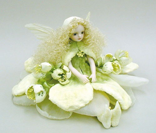 【送料無料】若月まり子 お花の妖精人形♪エルフィンフローリー:クリスマスローズ(オフ・ホワイト)【楽ギフ_のし】ビスクドール 御祝 贈答 創作人形 ギフト 結婚祝 出産祝 記念品