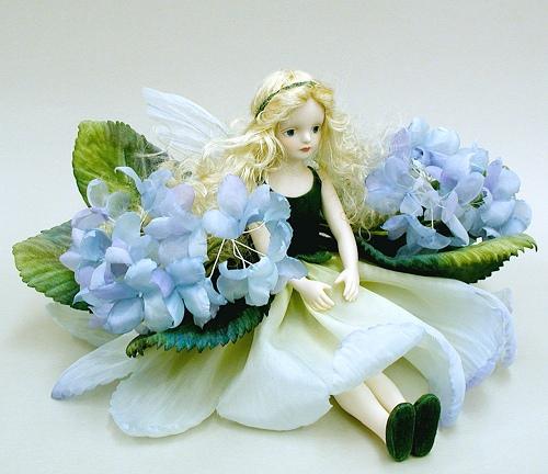 【送料無料】若月まり子 お花の妖精人形♪エルフィンフローリー:あじさい(ブルー)【楽ギフ_のし】ビスクドール 御祝 贈答 創作人形 ギフト 結婚祝 出産祝 記念品