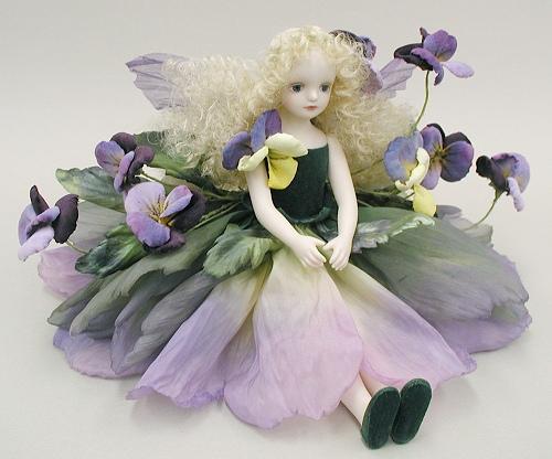 【送料無料】若月まり子 お花の妖精人形♪エルフィンフローリー:パンジー(パープル)【楽ギフ_のし】ビスクドール 御祝 贈答 創作人形 ギフト 結婚祝 出産祝 記念品