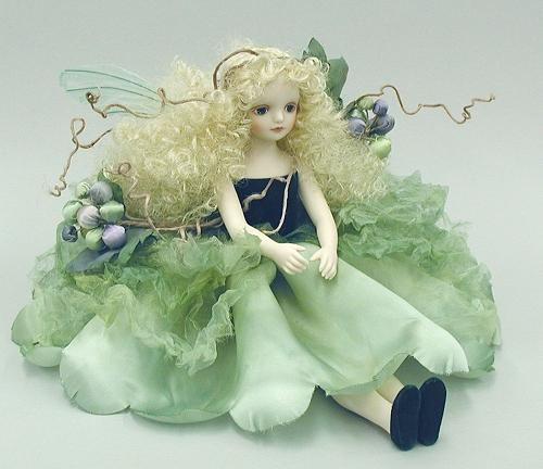 【送料無料】若月まり子 お花の妖精人形♪エルフィンフローリー:グレープ(マスカット)【楽ギフ_のし】ビスクドール 御祝 贈答 創作人形 ギフト 結婚祝 出産祝 記念品
