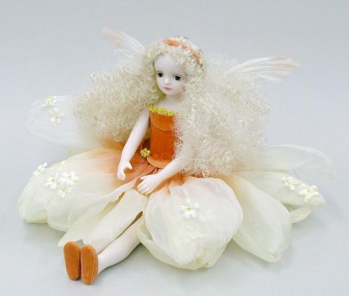 【送料無料】若月まり子 お花の妖精人形♪エルフィンフローリー:モスフロックス(アプリコット・オレンジ)【楽ギフ_のし】ビスクドール 御祝 贈答 創作人形 ギフト 結婚祝 出産祝 記念品