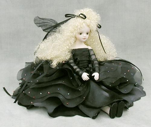 【送料無料】若月まり子 お花の妖精人形♪エルフィンフローリー:ノエル(ノワール)【楽ギフ_のし】ビスクドール 御祝 贈答 創作人形 ギフト 結婚祝 出産祝 記念品