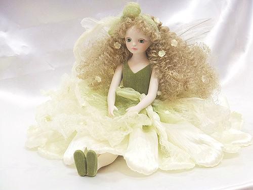 【送料無料】若月まり子 お花の妖精人形♪エルフィンフローリー:かすみ草(オフ・ホワイト)【楽ギフ_のし】ビスクドール 御祝 贈答 創作人形 ギフト 結婚祝 出産祝 記念品