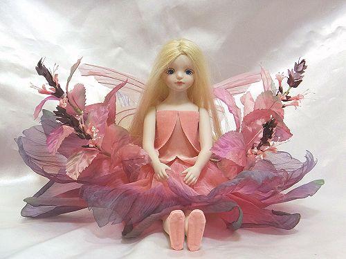 【送料無料】若月まり子 お花の妖精人形♪エルフィンフローリー:スウィートバジル(ピンク)【楽ギフ_のし】ビスクドール 御祝 贈答 創作人形 ギフト 結婚祝 出産祝 記念品