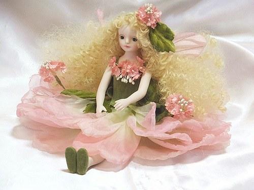 【送料無料】若月まり子 お花の妖精人形♪エルフィンフローリー:レースフラワー(ピンク)【楽ギフ_のし】ビスクドール 御祝 贈答 創作人形 ギフト 結婚祝 出産祝 記念品
