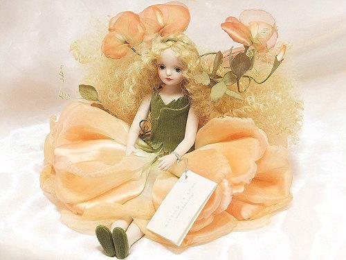 【送料無料】若月まり子 お花の妖精人形♪エルフィンフローリー:スイートピー(アプリコット・オレンジ)【楽ギフ_のし】ビスクドール 御祝 贈答 創作人形 ギフト 結婚祝 出産祝 記念品