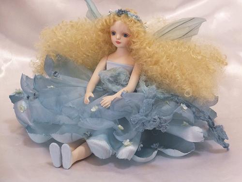 【送料無料】若月まり子 お花の妖精人形♪エルフィンフローリー:フローラ(ブルー)【楽ギフ_のし】ビスクドール 御祝 贈答 創作人形 ギフト 結婚祝 出産祝 記念品