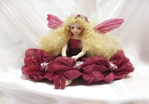 【送料無料】若月まり子 お花の妖精人形♪エルフィンフローリー:クロリス(ワイン)【楽ギフ_のし】ビスクドール 御祝 贈答 創作人形 ギフト 結婚祝 出産祝 記念品