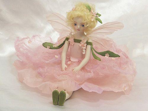 【送料無料】若月まり子 お花の妖精人形♪エルフィンフローリー:忘れな草(ピンク)【楽ギフ_のし】ビスクドール 御祝 贈答 創作人形 ギフト 結婚祝 出産祝 記念品
