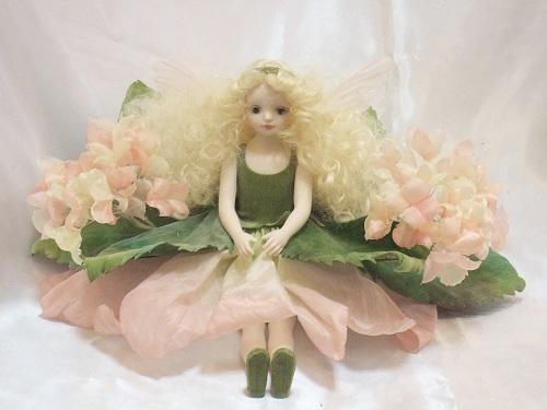 【送料無料】若月まり子 お花の妖精人形♪エルフィンフローリー:あじさい(ピンク)【楽ギフ_のし】ビスクドール 御祝 贈答 創作人形 ギフト 結婚祝 出産祝 記念品