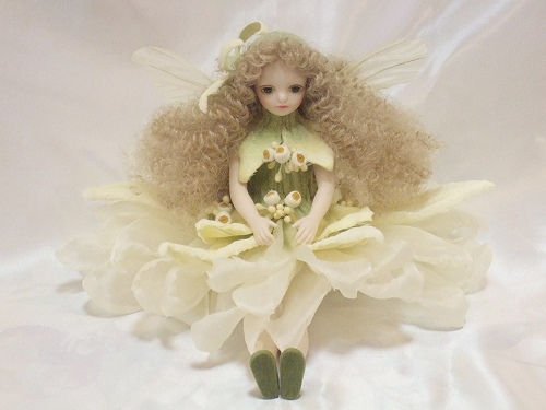 【送料無料】若月まり子 お花の妖精人形♪エルフィンフローリー:エーデルワイス【楽ギフ_のし】ビスクドール 御祝 贈答 創作人形 ギフト 結婚祝 出産祝 記念品
