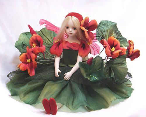【送料無料】若月まり子 お花の妖精人形♪エルフィンフローリー:ナスタチウム(レッド)【楽ギフ_のし】ビスクドール 御祝 贈答 創作人形 ギフト 人形 陶器 結婚祝 出産祝 記念品