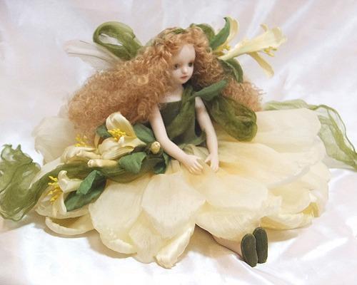 【送料無料】若月まり子 お花の妖精人形♪エルフィンフローリー:ハニーサックル【楽ギフ_のし】ビスクドール 御祝 贈答 創作人形 ギフト 結婚祝 出産祝 記念品
