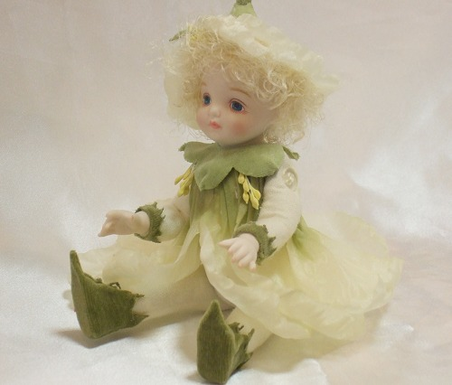 【送料無料】若月まり子 お花の妖精人形♪リトルエルフィン:ピュリアローズ(ホワイト)【楽ギフ_のし】ビスクドール 御祝 贈答 創作人形 ギフト 結婚祝 出産祝 記念品