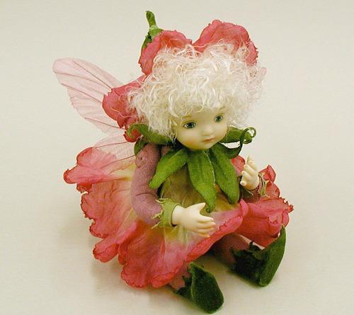 【送料無料】若月まり子 お花の妖精人形♪リトルエルフィン:ペチュニア(ワイン)【楽ギフ_のし】ビスクドール 御祝 贈答 創作人形 ギフト 結婚祝 出産祝 記念品