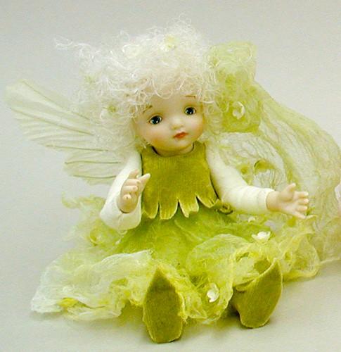 【送料無料】若月まり子 お花の妖精人形♪リトルエルフィン:かすみ草(オフ・ホワイト)【楽ギフ_のし】ビスクドール 御祝 贈答 創作人形 ギフト 結婚祝 出産祝 記念品