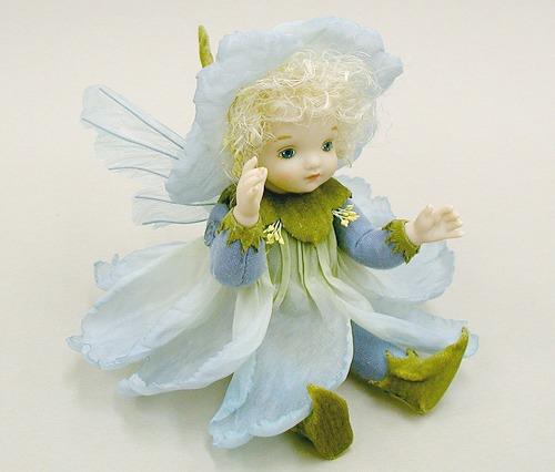 【送料無料】若月まり子 お花の妖精人形♪リトルエルフィン:カタローナ・ローズ(ブルー)【楽ギフ_のし】ビスクドール 御祝 贈答 創作人形 ギフト 結婚祝 出産祝 記念品