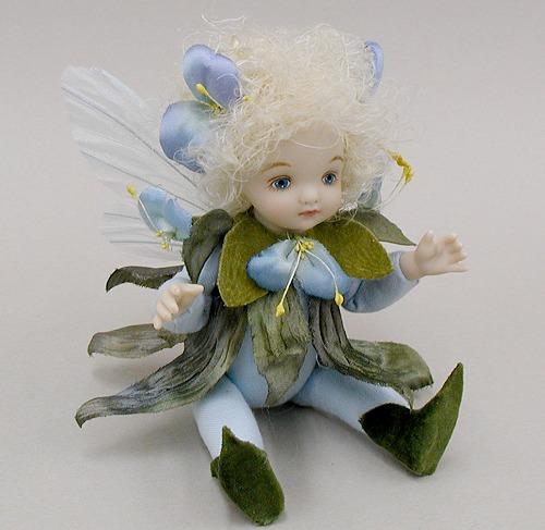 【送料無料】若月まり子 お花の妖精人形♪リトルエルフィン:つゆくさ(ブルー)【楽ギフ_のし】ビスクドール 御祝 贈答 創作人形 ギフト 結婚祝 出産祝 記念品
