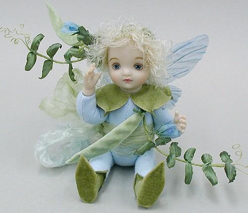 【送料無料】若月まり子 お花の妖精人形♪リトルエルフィン:からすのえんどう(ブルー)【楽ギフ_のし】ビスクドール 御祝 贈答 創作人形 ギフト 結婚祝 出産祝 記念品