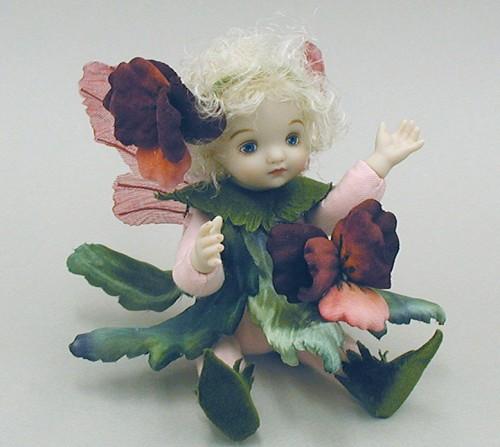 【送料無料】若月まり子 お花の妖精人形♪リトルエルフィン:パンジー(ワイン)【楽ギフ_のし】ビスクドール 御祝 贈答 創作人形 ギフト 結婚祝 出産祝 記念品