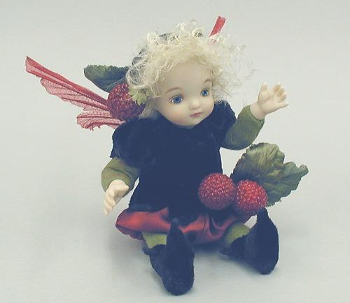 【送料無料】若月まり子 お花の妖精人形♪リトルエルフィン:ラズベリー【楽ギフ_のし】ビスクドール 御祝 贈答 創作人形 ギフト 結婚祝 出産祝 記念品